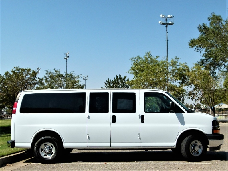 Chevrolet Express Passenger 2017 price $17,400