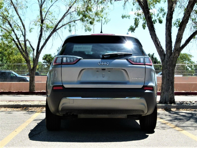 Jeep Cherokee 2020 price $25,000