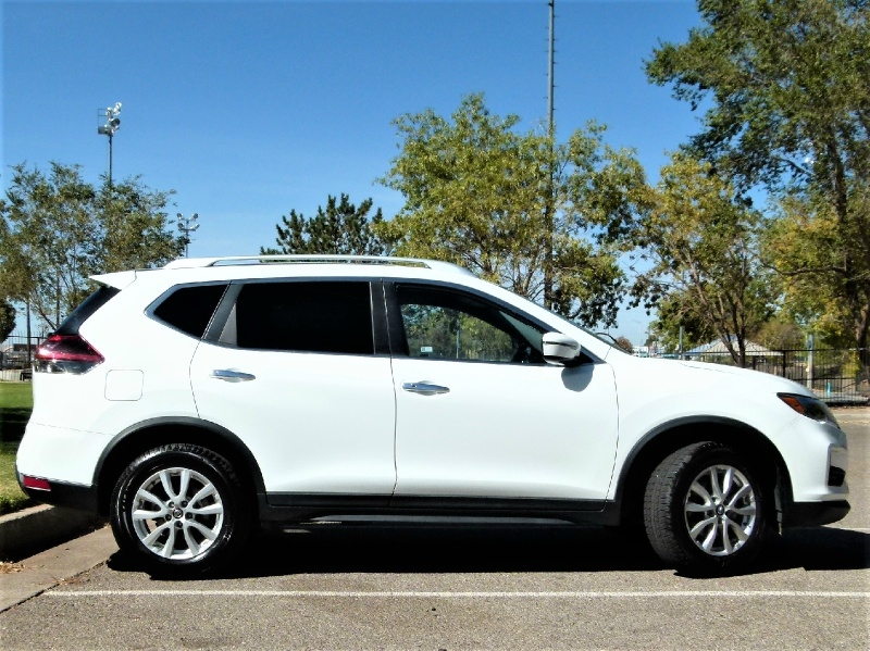 Nissan Rogue 2019 price $18,800
