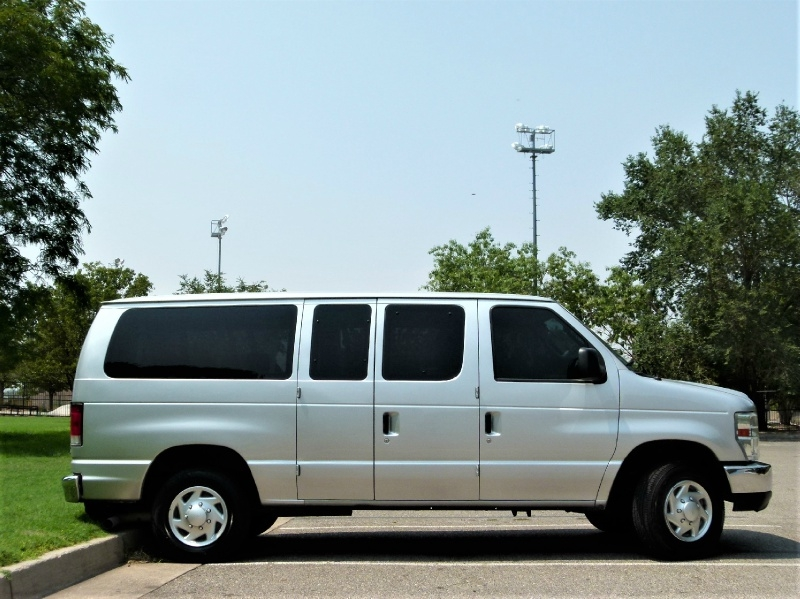 Ford Econoline Wagon 2011 price $13,000