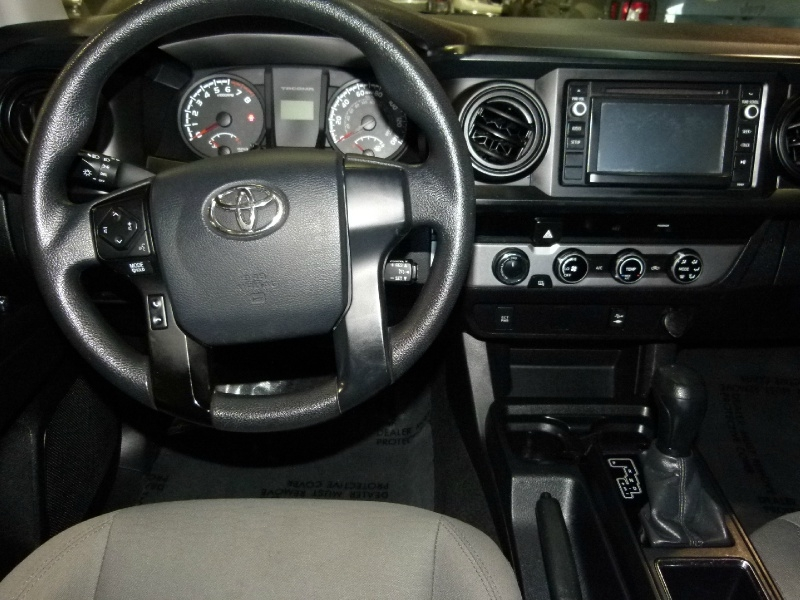 Toyota Tacoma 2017 price $31,000
