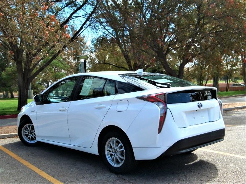 Toyota Prius 2016 price $12,600