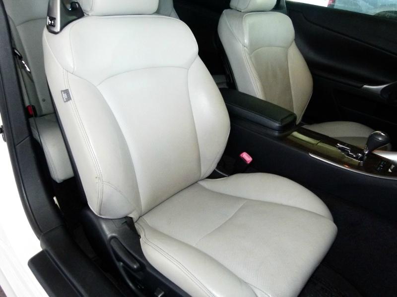 Lexus IS 250C 2011 price $13,000