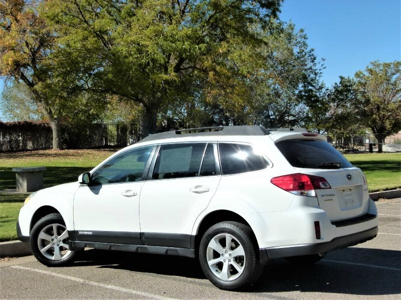 Subaru Outback 2013 price $14,000