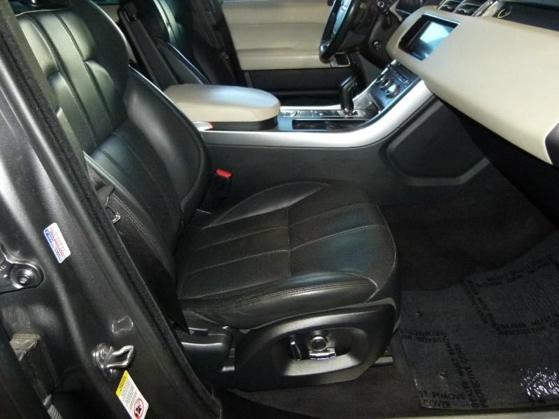 Land Rover Range Rover Sport 2017 price $52,900