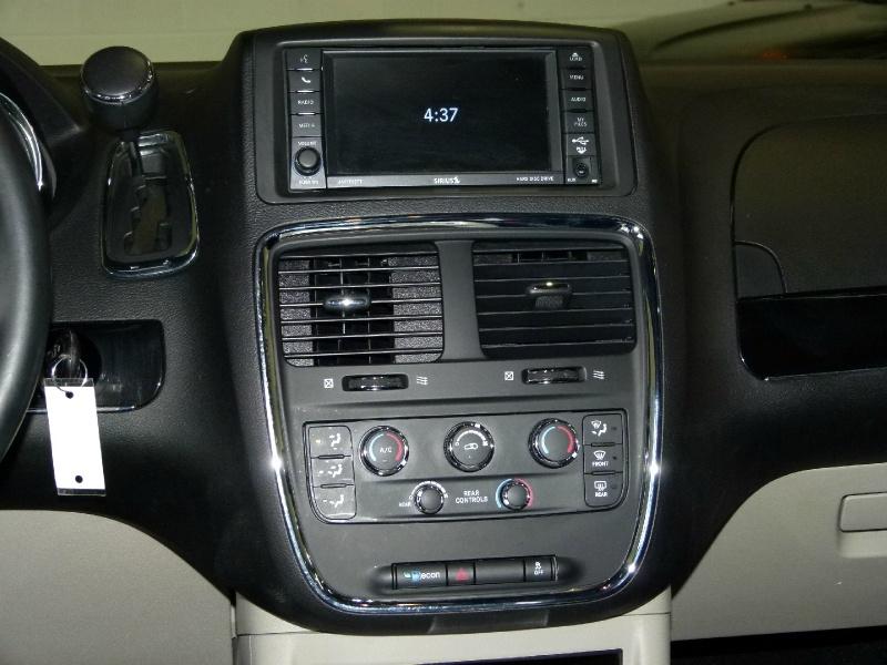 Dodge Grand Caravan 2019 price $14,400