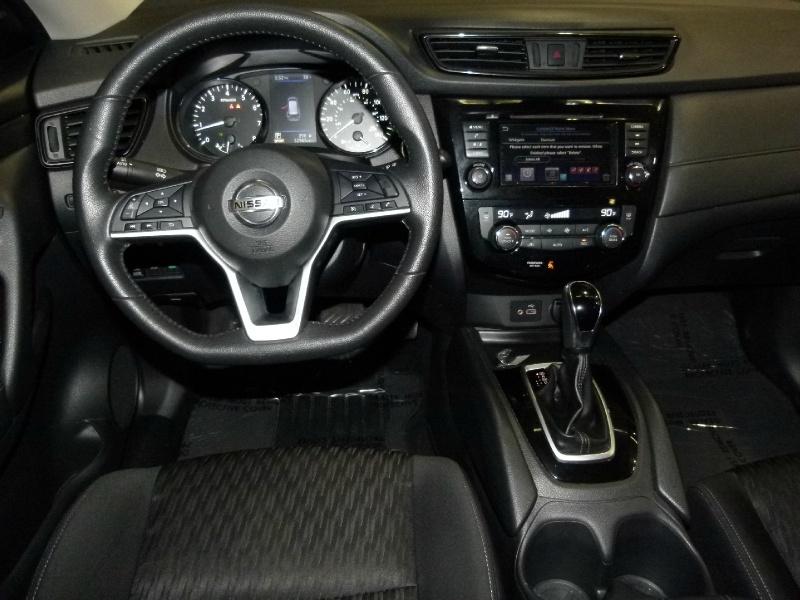 Nissan Rogue 2020 price $19,000