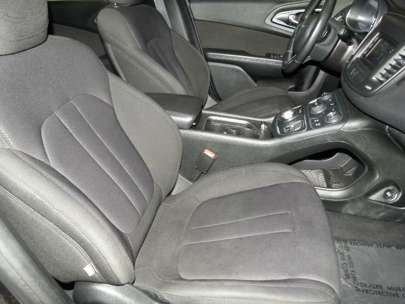 Chrysler 200 2015 price $12,000