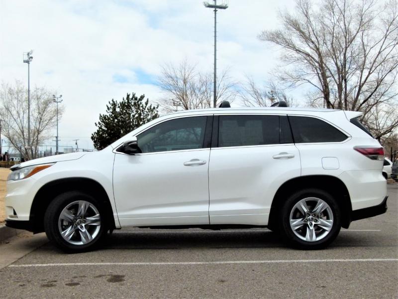 Toyota Highlander 2016 price $25,400