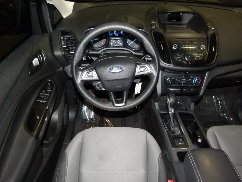 Ford Escape 2017 price $13,700