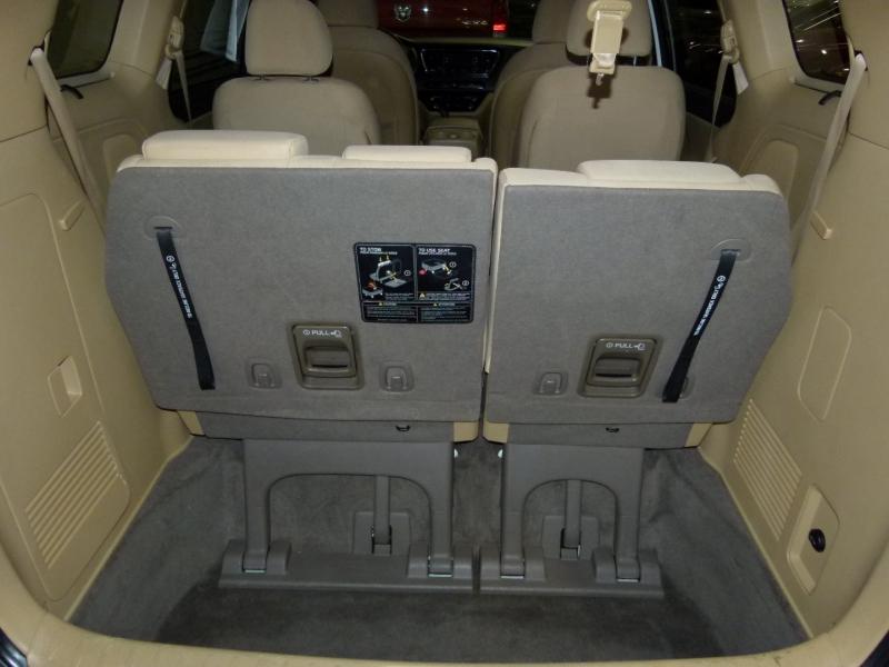 Kia Sedona 2016 price $15,400