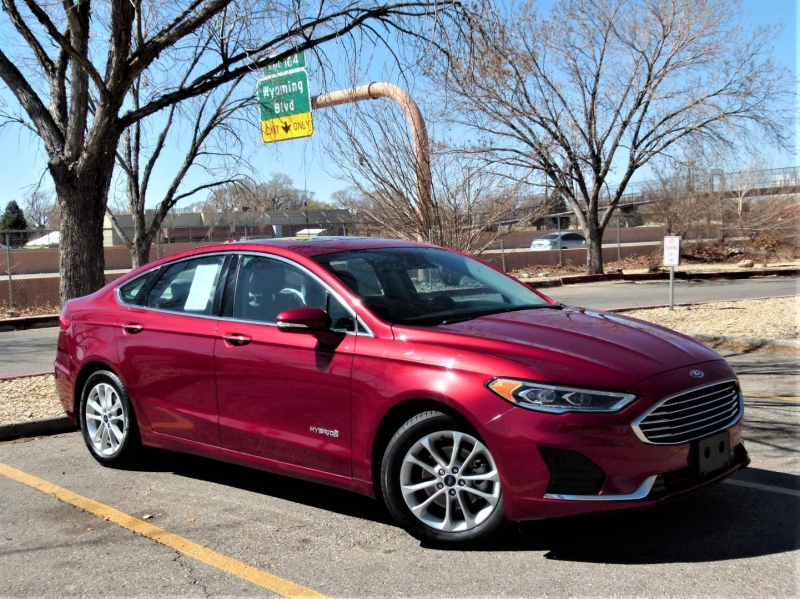 Ford Fusion Hybrid 2019 price $22,600