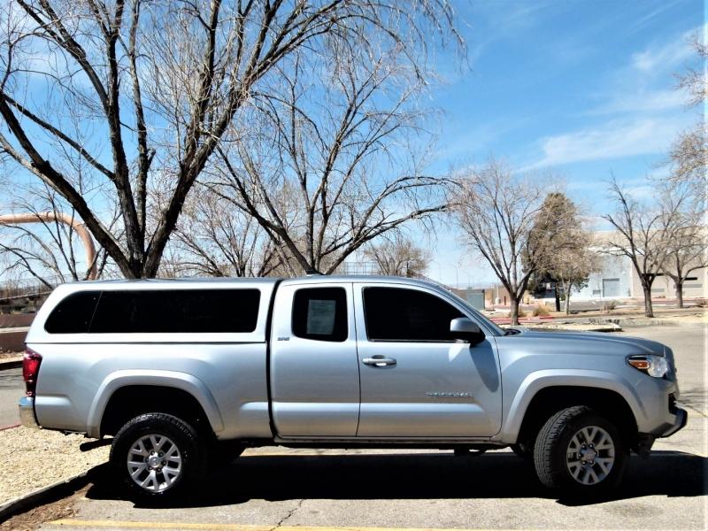 Toyota Tacoma 2019 price $33,800