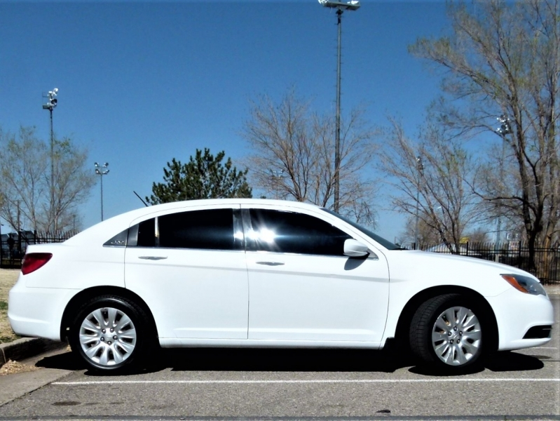 Chrysler 200 2012 price $8,000