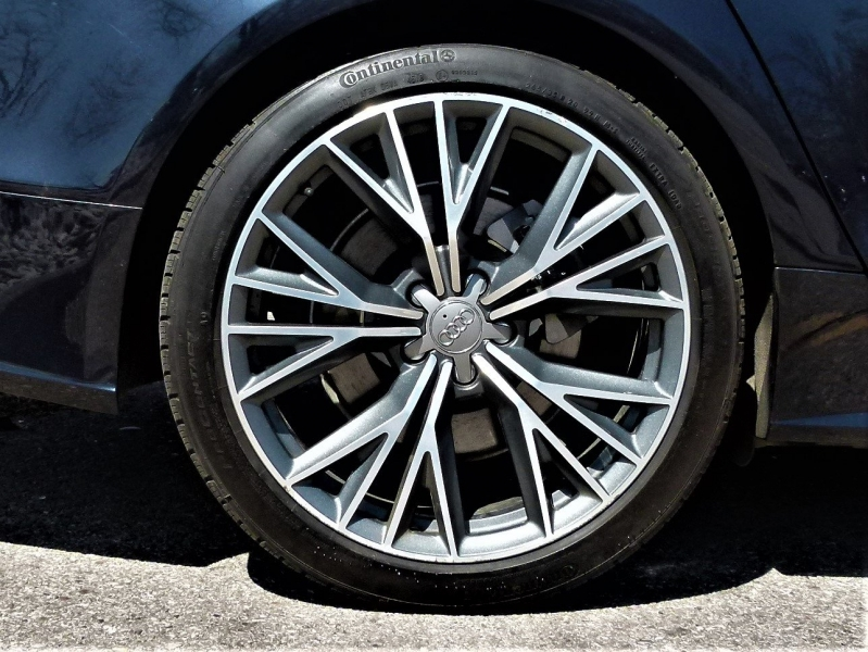 Audi A7 2017 price $39,900