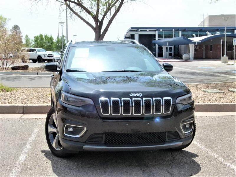 Jeep Cherokee 2019 price $25,400