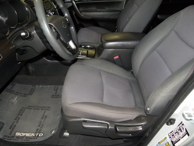 Kia Sorento 2013 price $10,000