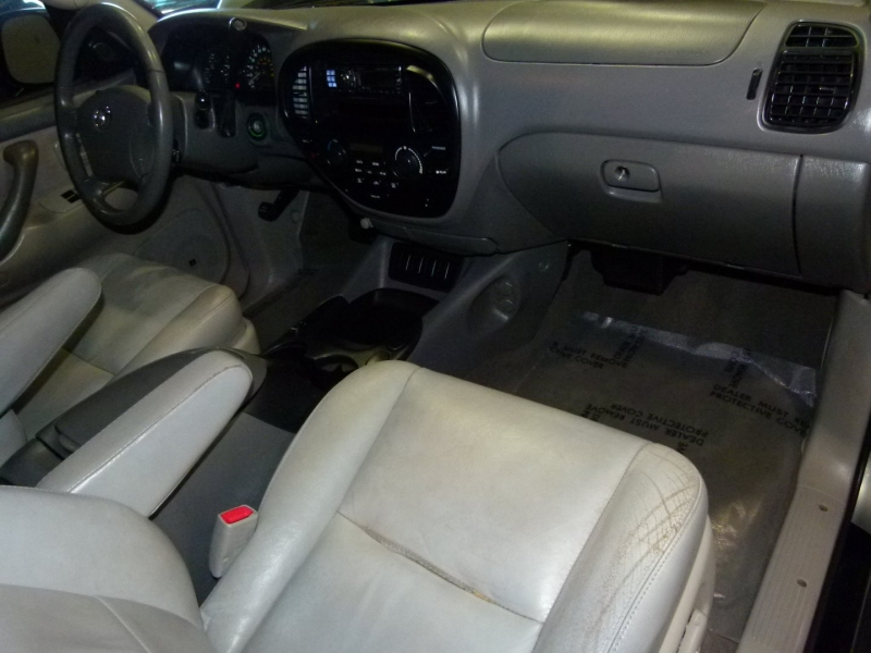 Toyota Sequoia 2007 price $9,000