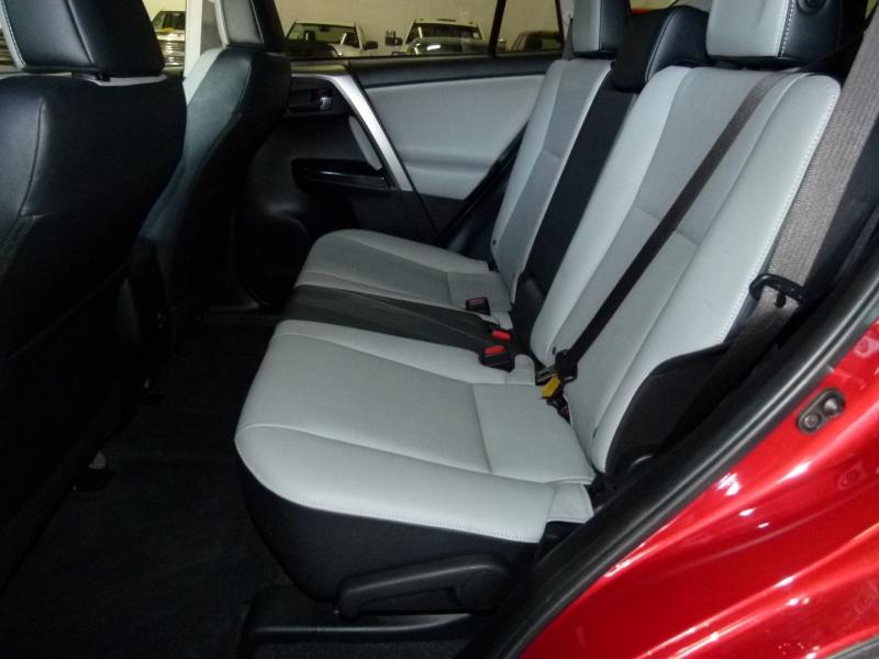Toyota RAV4 2017 price $27,000