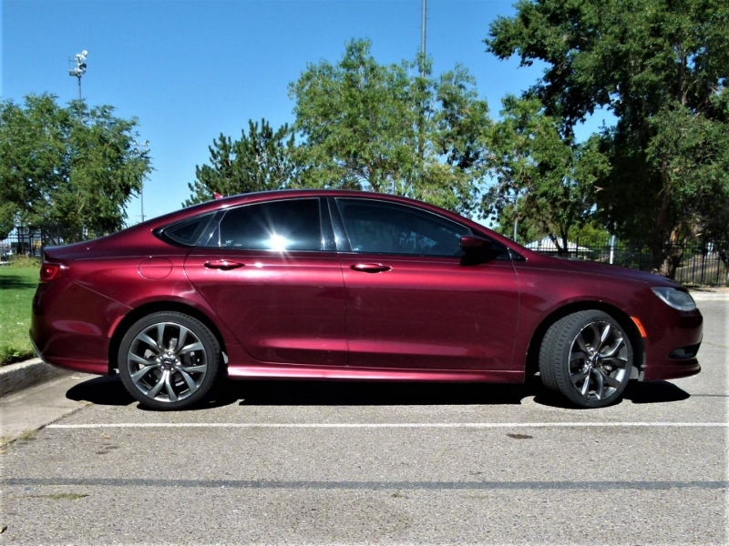 Chrysler 200 2016 price $17,000