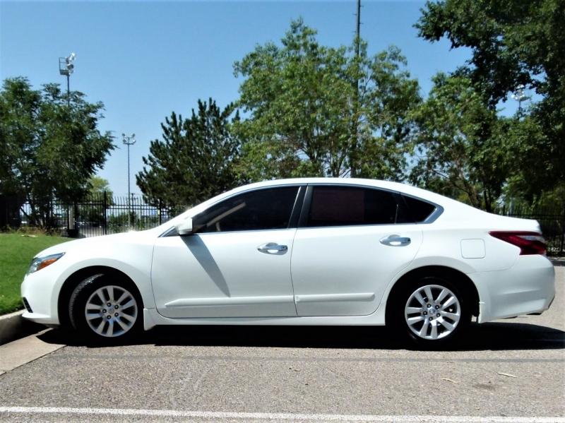 Nissan Altima 2017 price $17,500