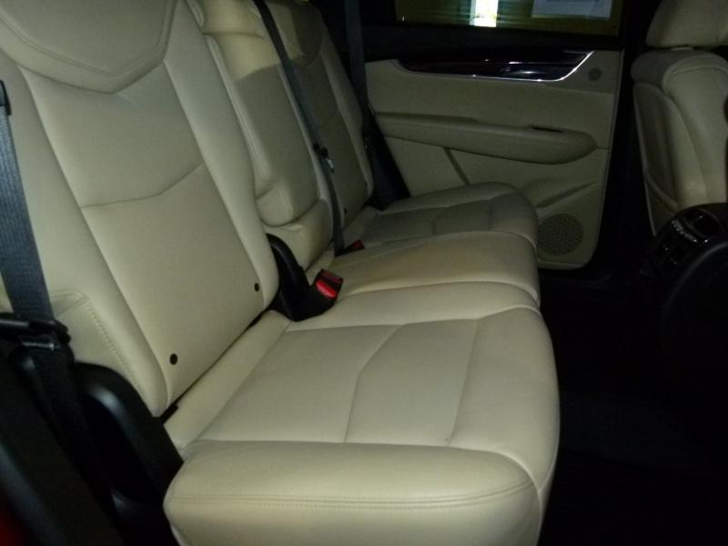 Cadillac XT5 2017 price $31,000
