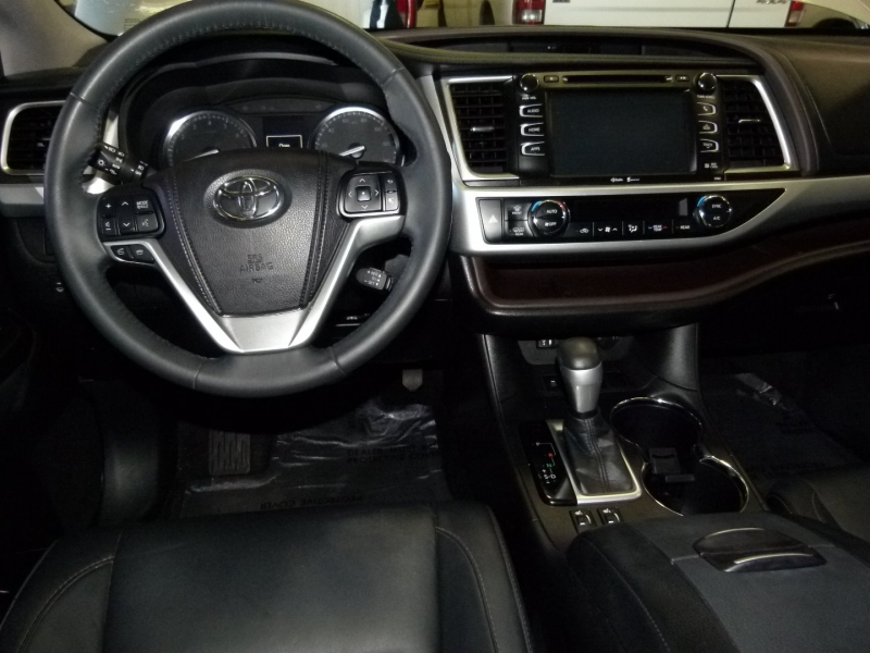 Toyota Highlander 2015 price $26,400