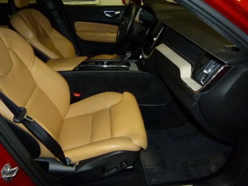 Volvo XC60 2018 price $40,900