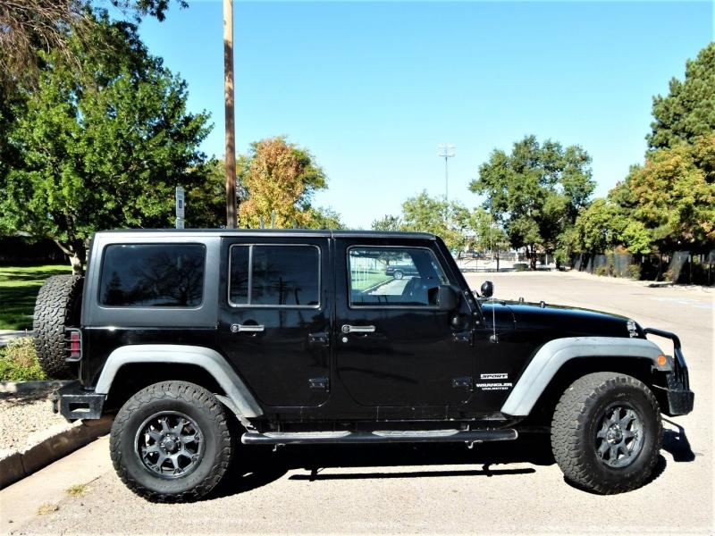 Jeep Wrangler Unlimited 2015 price $32,000
