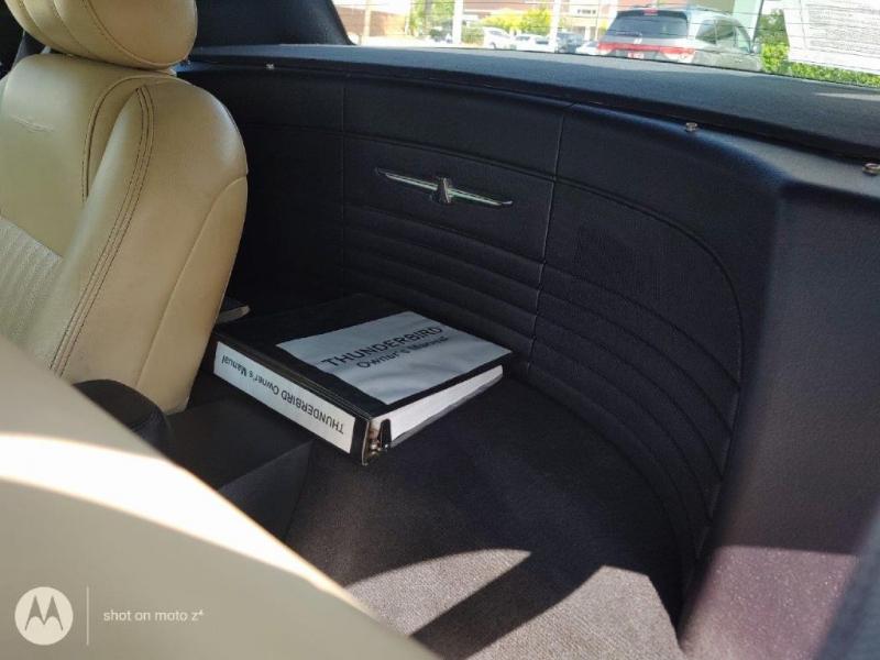 FORD THUNDERBIRD 2004 price $10,500
