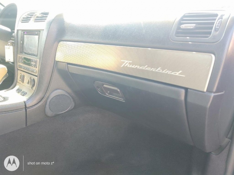 FORD THUNDERBIRD 2004 price $10,950