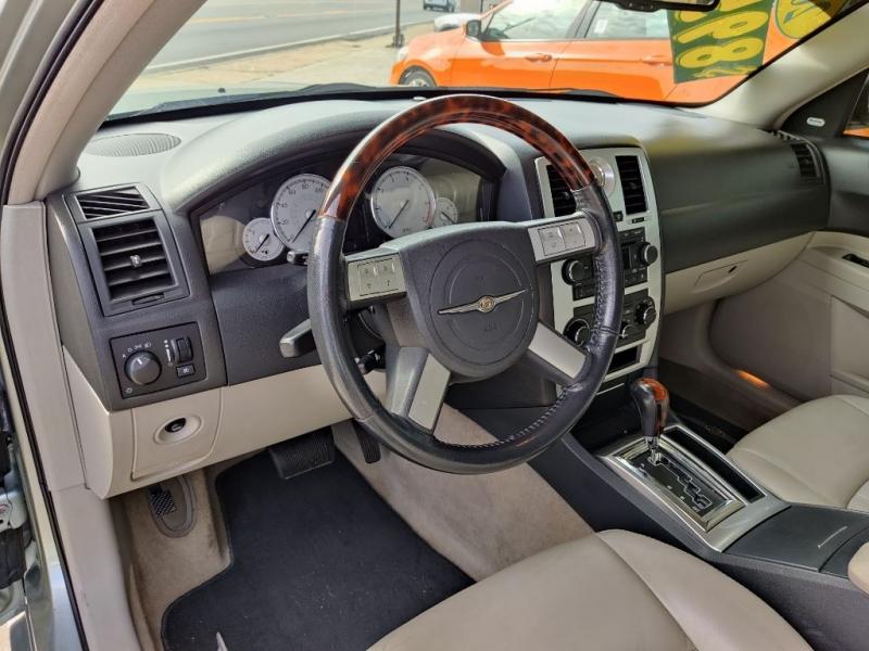 CHRYSLER 300C 2006 price $8,950