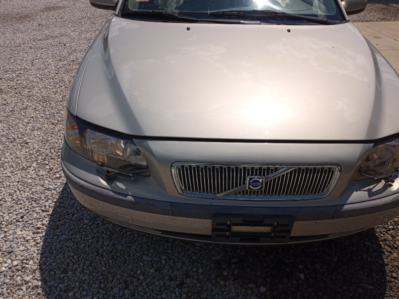 VOLVO V70 2003 price $2,995