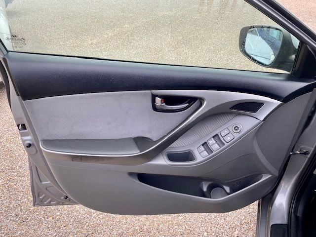 Hyundai Elantra 2011 price $10500/$900 Down