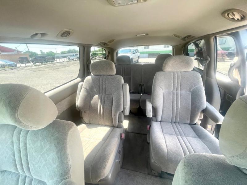 Toyota Sienna 2000 price $4250.00