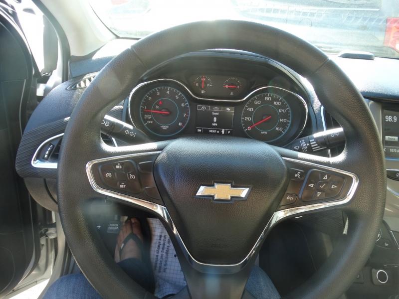 Chevrolet Cruze 2017 price $9,900