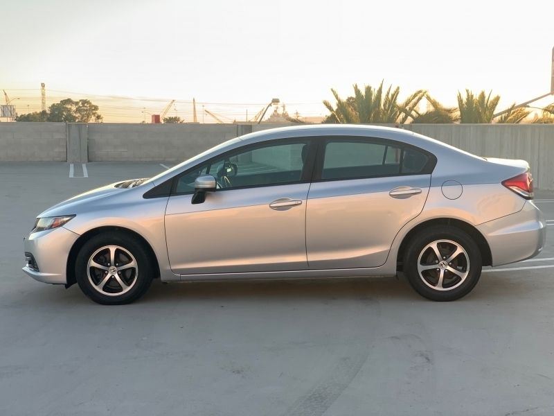Honda Civic Sedan 2015 price $11,495