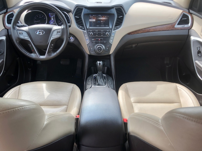 Hyundai Santa Fe 2017 price $16,995