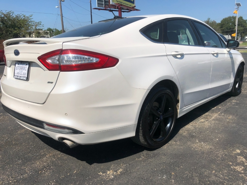 Ford Fusion 2016 price $9,400