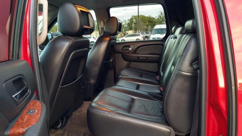 Chevrolet Avalanche 2009 price $11,300
