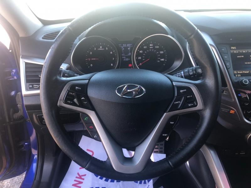Hyundai Veloster 2013 price $7,750