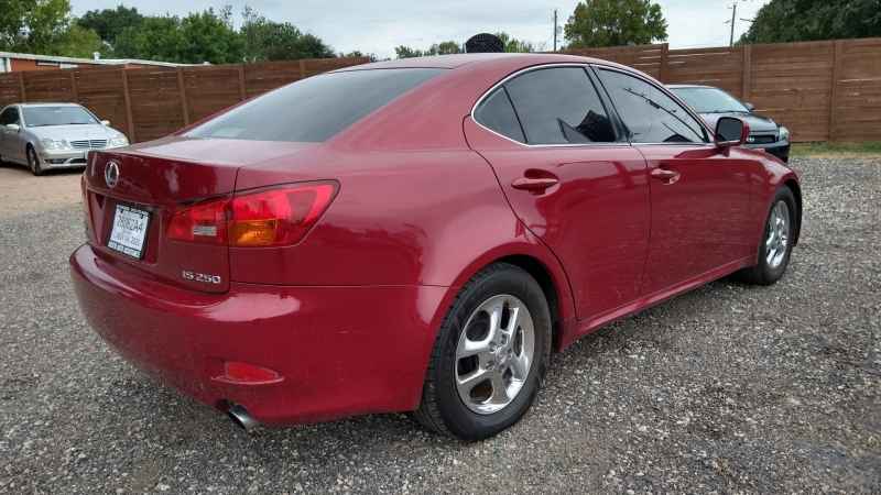 Lexus IS 250 2006 price $9,950