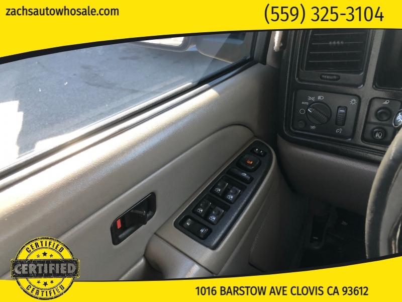 Chevrolet Avalanche 2005 price $10,995