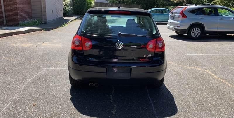 Volkswagen Rabbit 2008 price $5,450
