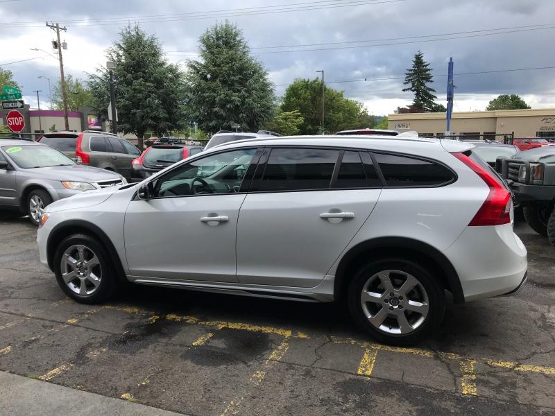 Volvo V60 Cross Country 2018 price $25,900