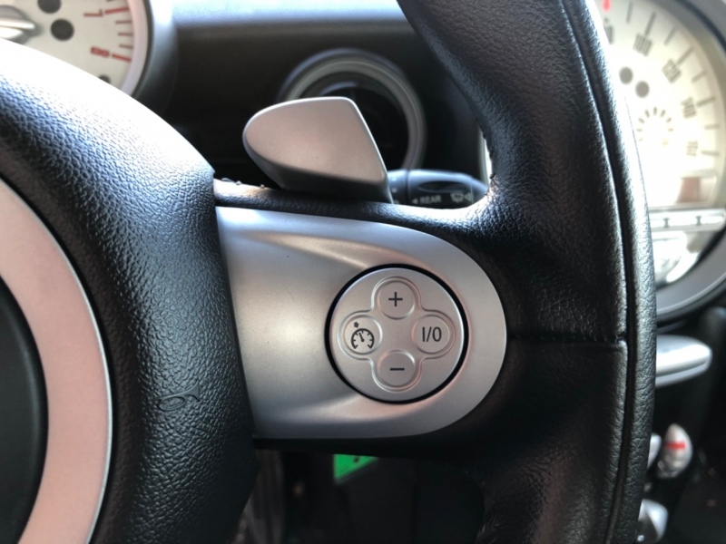 Mini Cooper Hardtop 2009 price $9,500