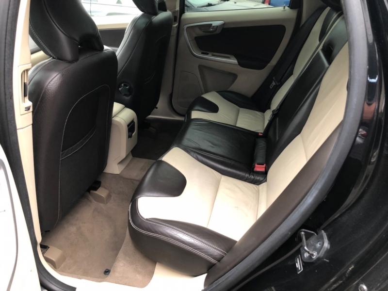 Volvo XC60 2010 price $8,500