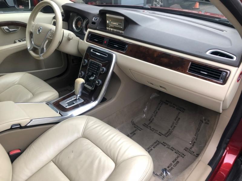 Volvo XC70 2012 price $14,900
