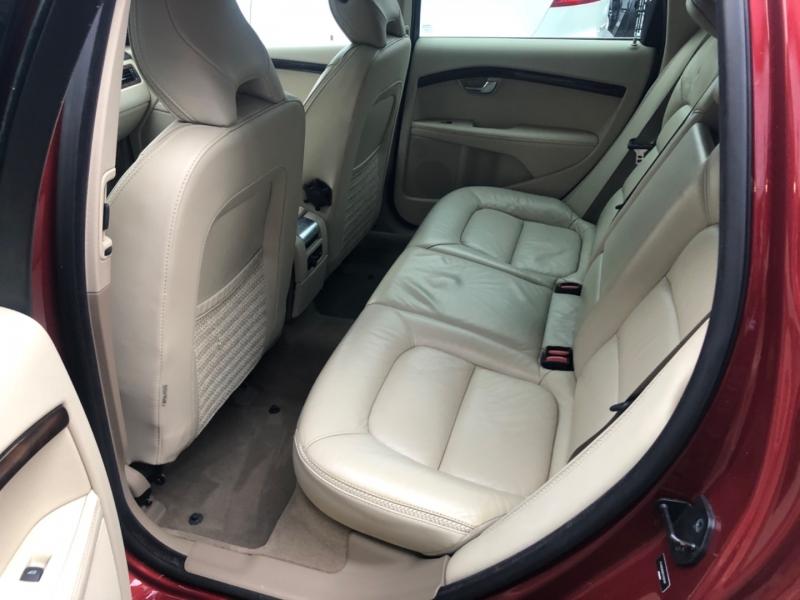 Volvo XC70 2012 price $13,900