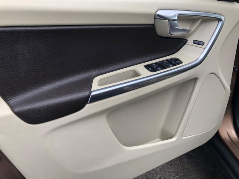 Volvo XC60 2012 price $13,900